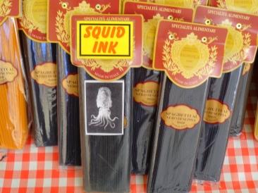 Tintenfisch-Spaghetti (Schwarz) mit Verpackung